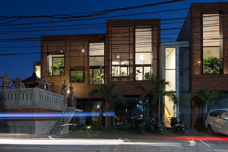 Teras Apartments - Exterior